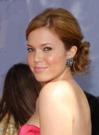 file_3250_mandy-moore-long-updo-tousled-275