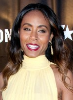 file_3267_jada-pinkett-smith-long-brunette-wavy-romantic-hairstyle