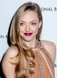 file_3273_amanda-seyfried-long-romantic-chic-blonde-hairstyle-275