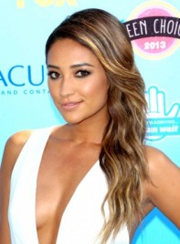 file_3386_shay-mitchell-long-brunette-sexy-hairstyle-with-highlights-275