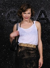 file_3445_milla-jovovich-short-bangs-highlights-curly-brunette-275
