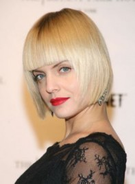 file_3455_mena-suvari-straight-bob-blonde-275