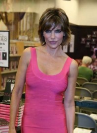 file_3457_lisa-rinna-highlights-bangs-bob-brunette-275