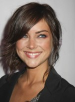 Short Hairstyles with Bangs for Heart-Shaped Faces