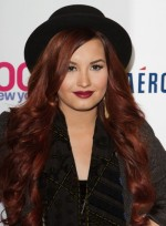 file_3616_demi-lovato-long-curly-edgy-red