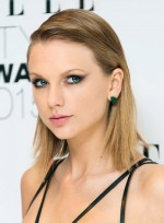 file_4244_Taylor-Swift-Medium-Straight-Blonde-Edgy-Hairstyle