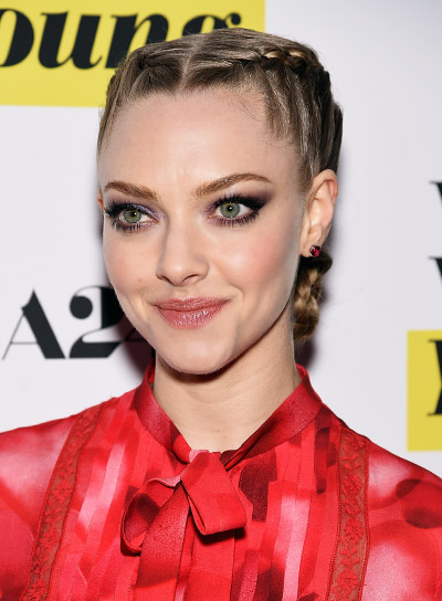Amanda Seyfried With A Long Blonde Funky Hairstyle Braids And Twists Pictures