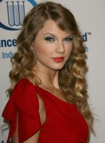 file_4385_taylor-swift-long-wavy-blonde