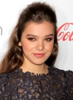 file_4720_hailee-steinfeld-long-brunette-party-tousled-hairstyle