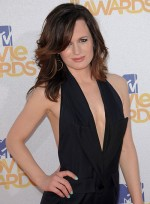 file_4822_elizabeth-reaser-medium-tousled-sophisticated