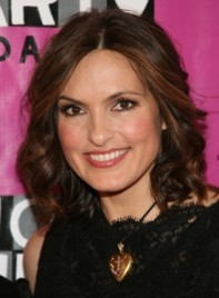file_5182_mariska-hargitay-short-bob-curly-brunette-275
