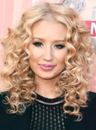 file_5276_Iggy-Azalea-Medium-Curly-Blonde-Romantic-Hairstyle-275