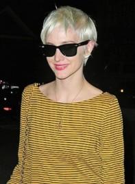 file_5332_ashlee-simpson-short-blonde-275