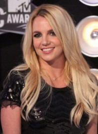 file_5502_britney-spears-long-chic-blonde-275