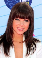 file_5616_carly-rae-jepsen-layered-straight-brunette-hairstyle-bangs