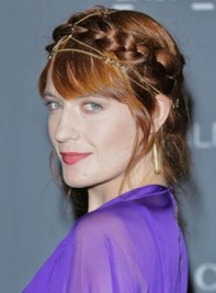file_5637_florence-welch-romantic-chic-hairstyle-bangs-baids-twists-275