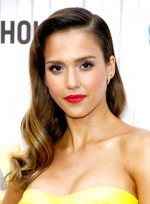 file_5769_jessica-alba-long-formal-romantic-wavy-hairstyle