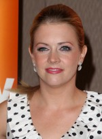 file_5817_melissa-joan-hart-ponytail-chic-blonde