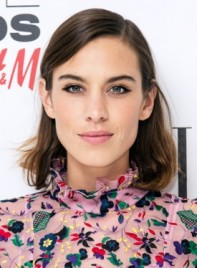 file_5872_Alexa-Chung-Short-Straight-Brunette-Edgy-Hairstyle-Pictures-275
