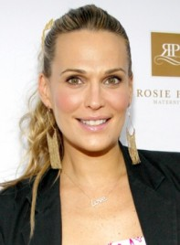 file_58897_molly-sims-long-blonde-curly-ponytail-hairstyle-275