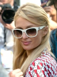 file_58921_paris-hilton-long-straight-blonde-hairstyle-braids-twists-275