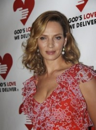 file_58989_uma-thurman-medium-curly-chic-blonde-275