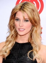 file_59045_ashley-greene-long-wavy-blonde-sexy-hairstyle-275