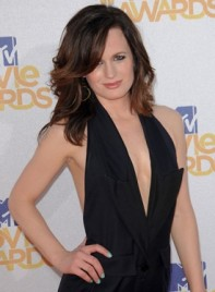 file_6068_elizabeth-reaser-medium-tousled-sophisticated-275