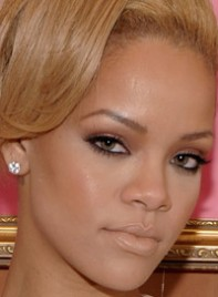 file_8_6358_copy-rihannas-bold-eye-makeup-07
