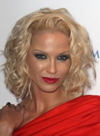 file_20_6541_worst-makeup-trends-sarah-harding-06