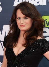file_59168_elizabeth-reaser-long-curly-bangs-sexy-brunette-275