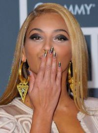 file_20_7011_10-ways-to-get-noticed-beyonce-knowles-08