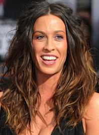 file_6_6901_worst-hair-2010-so-far-alanis-morissette-05