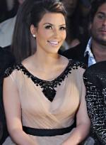 file_56_7331_celebrities-at-fashion-week-kim-kardashian-07
