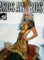 file_69_7281_mtv-vmas-2010-lady-gaga-12b