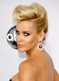 file_59203_jenny-mccarthy-blonde-chic-romantic-funky-hairstyle-275