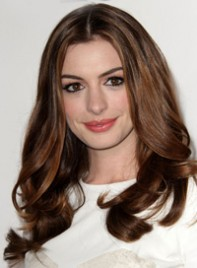 file_3_7741_ways-to-style-long-hair-anne-hathaway-03