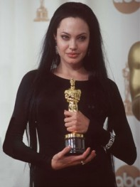 file_2_8161_worst-oscar-hair-angelina-jolie-01