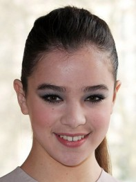 file_18_8391_new-eye-makeup-looks-hailee-steinfeld-08