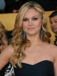 file_7_8261_at-home-prom-hair-makeup-julia-stiles-06