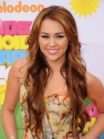 file_51_8561_wavy-hairstyles-miley-cyrus-06