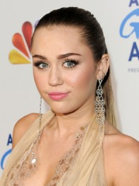 file_15_9791_richest-celebs-under-25-miley-cyrus-14