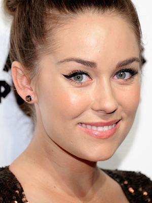 makeup tips winged cat eyeliner lauren conrad