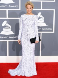 file_17_10121_grammy-awards-2012-carrie-underwood