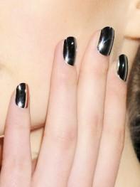 file_5_10191_fashion-week-nail-art-04