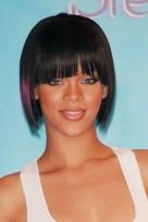 file_144_14341_rihanna-hairstyles-blunt-bob-bangs