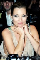 file_66_14441_kate-moss-anchor-tattoo-beauty-riot