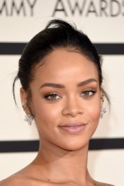 file_23_14481_rihanna-grammys-best-beauty