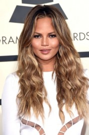 file_33_14481_chrissy-teigen-grammys-best-beauty