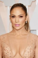 file_55_14561_br-academy-awards-best-beauty-jennifer-lopez